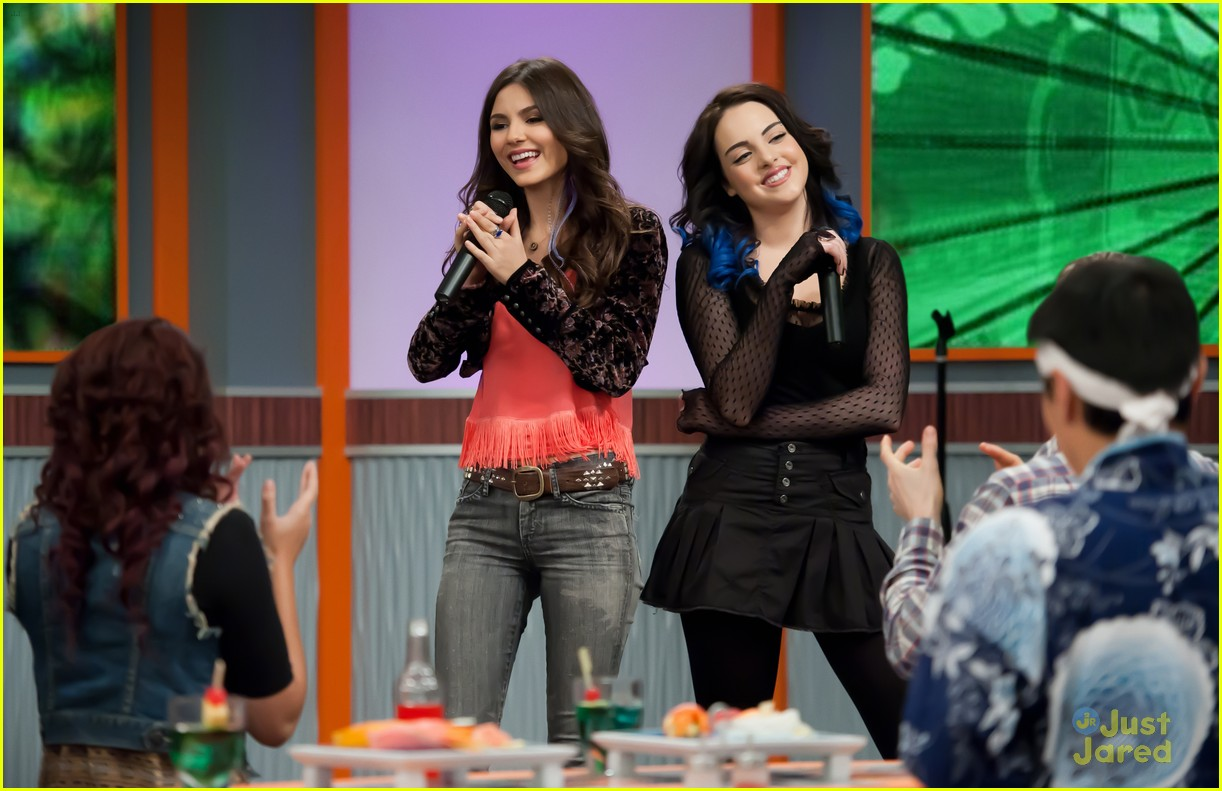 victoria justice liz gillies play date 03