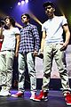 1d-auckland one direction auckland concert 08