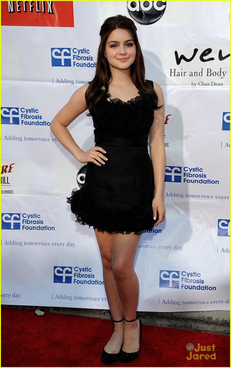 ariel winter wisteria lane 01