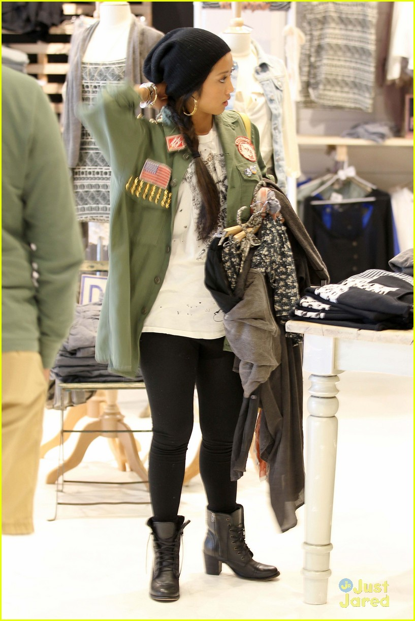 brenda song shopping mall 10