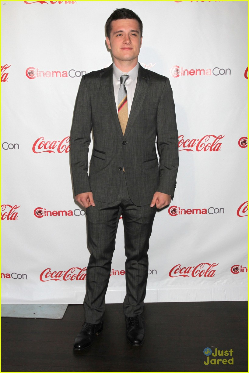 josh hutcherson cinemacon awards 12