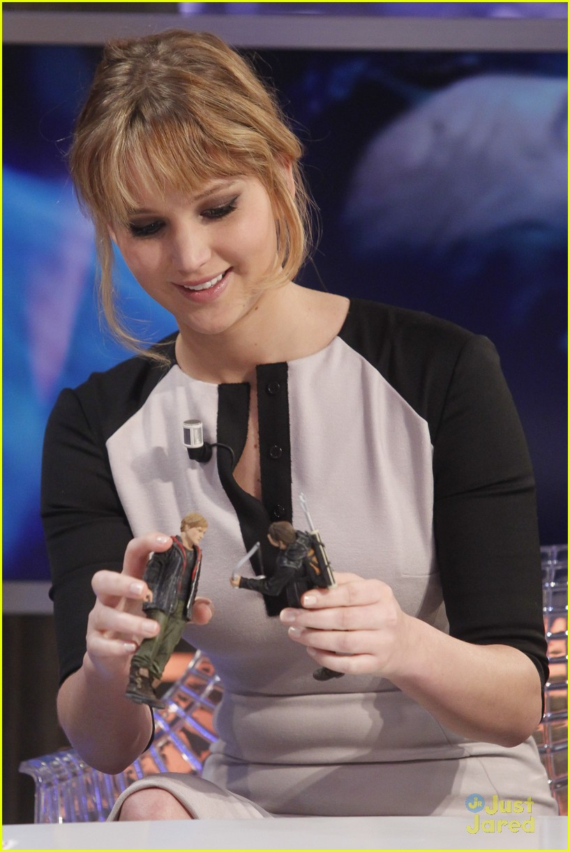 jennifer lawrence catching fire director 18