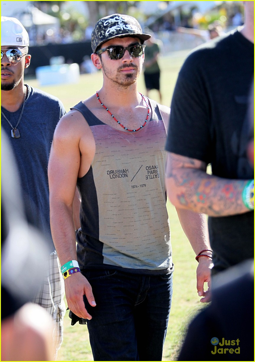 joe jonas coachella festival 07