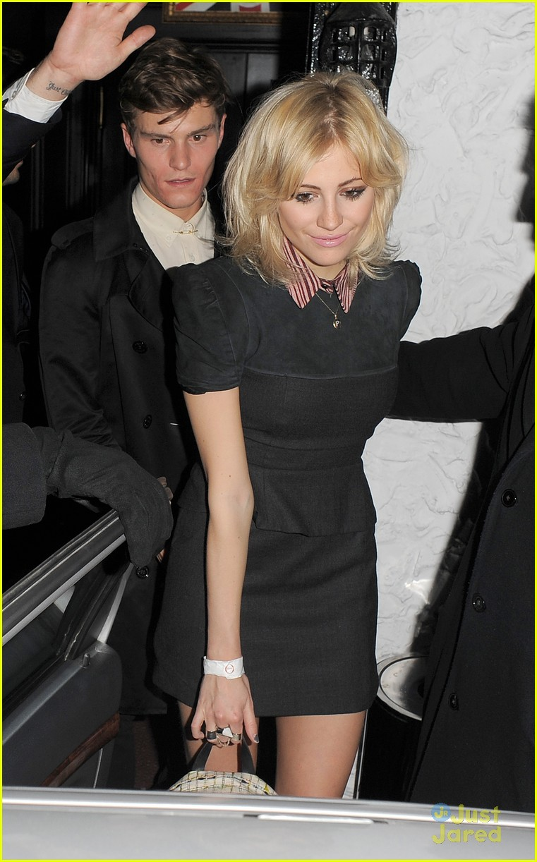 pixie lott oliver cheshire party 04