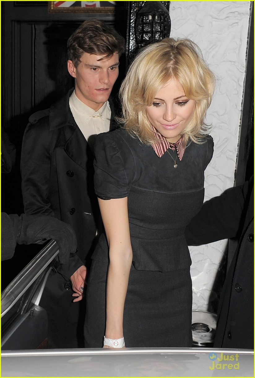 pixie lott oliver cheshire party 06
