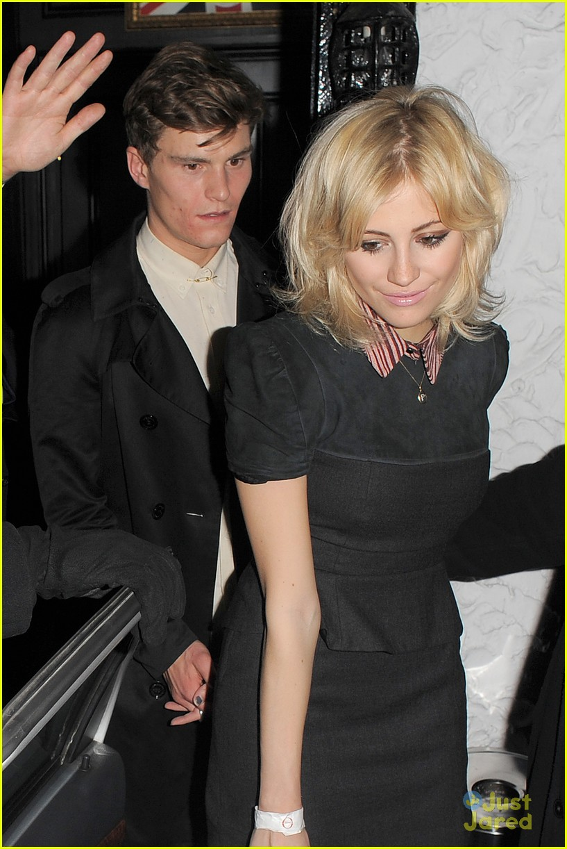 pixie lott oliver cheshire party 09