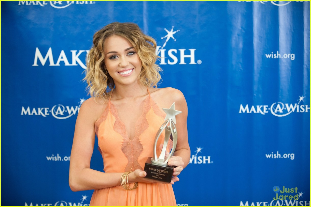 Miley Cyrus award