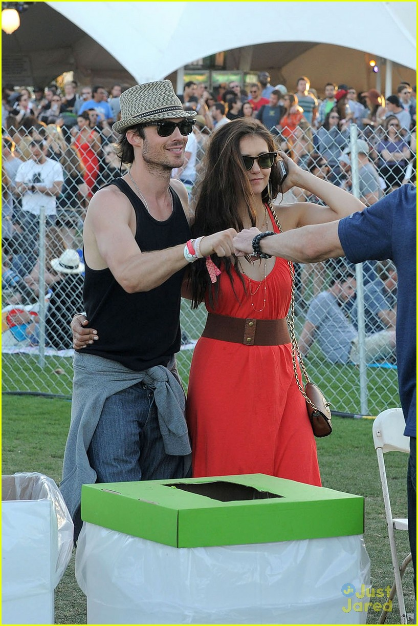 nina dobrev ian somerhalder red dress 08