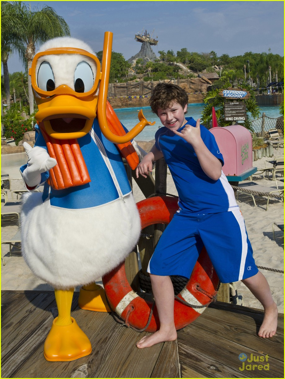 nolan gould typhoon lagoon 01