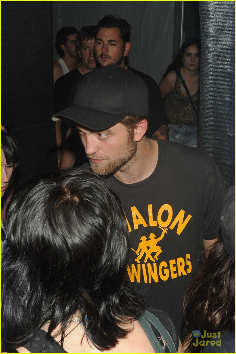 robert pattinson kristen stewart coachella 02