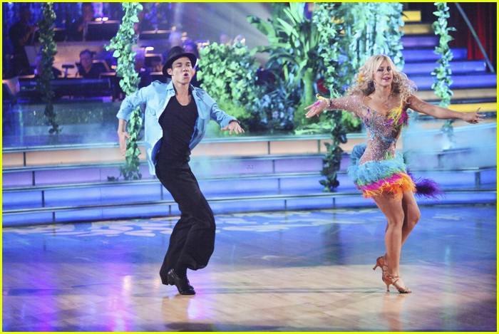 roshon chelsie tropical dwts 05