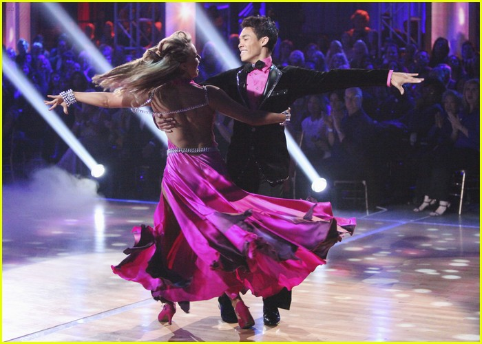 roshon fegan chelsie hightower viennese waltz 09