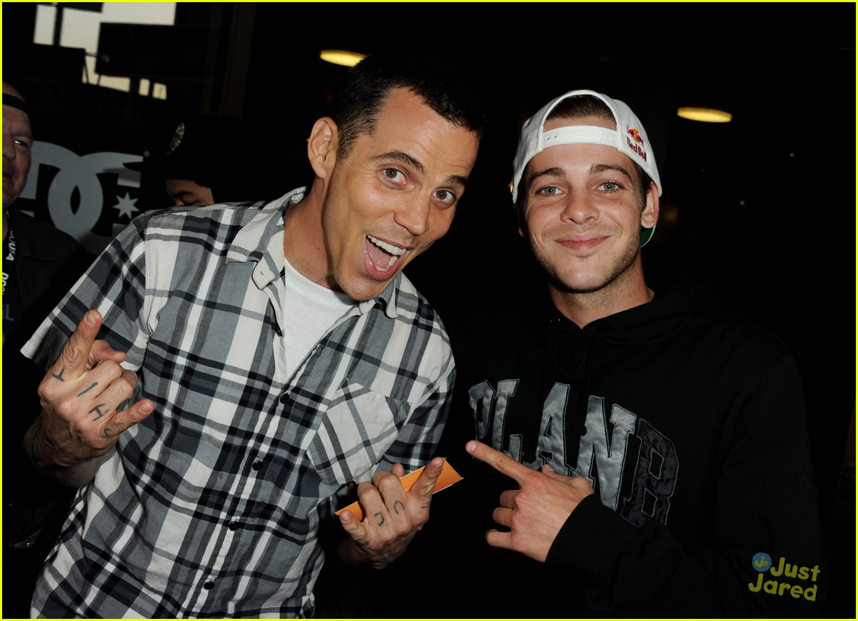 ryan sheckler waiting lightning 04