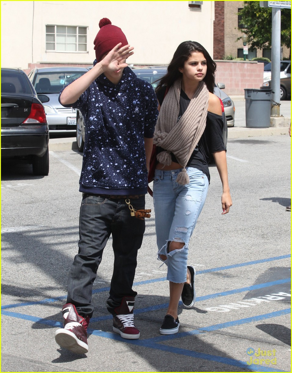 selena gomez justin bieber panera 05