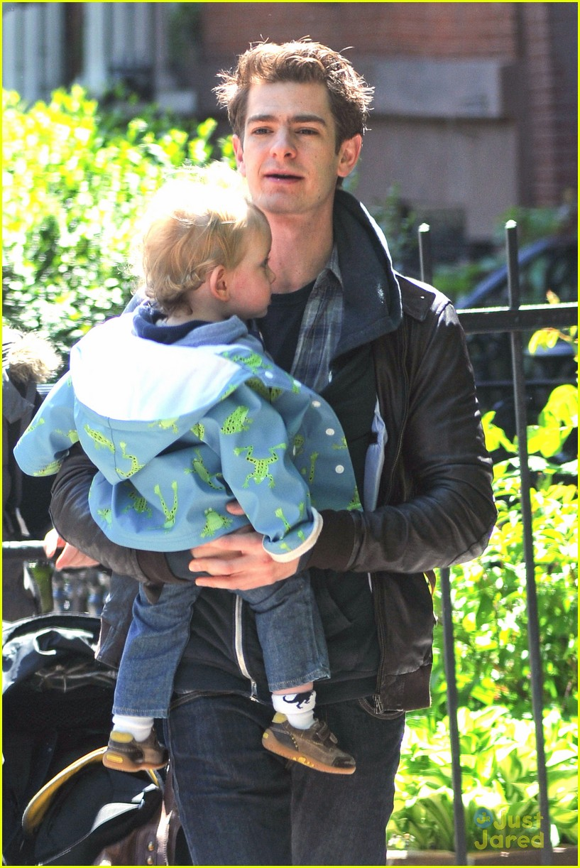 emma stone andrew garfield baby 01
