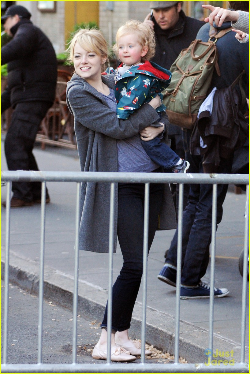 emma stone andrew garfield baby 07