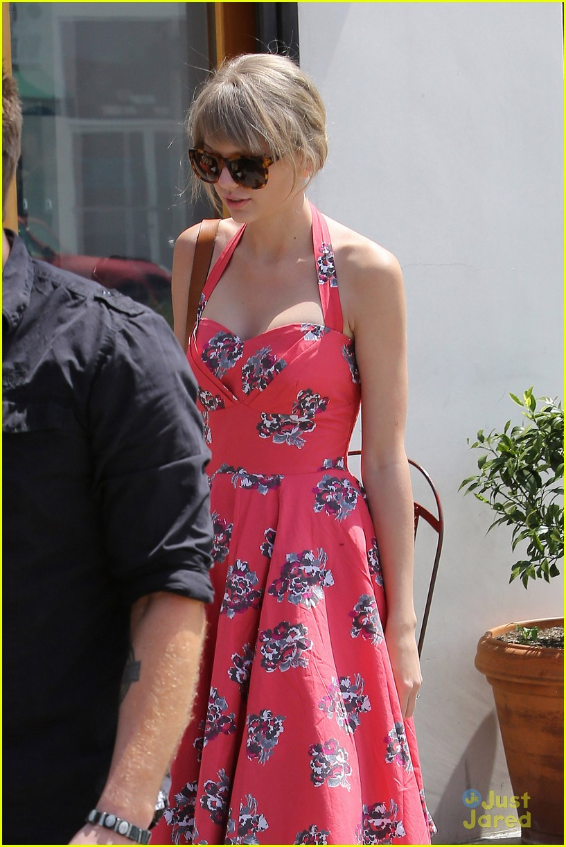 taylor swift dianna agron bday 01