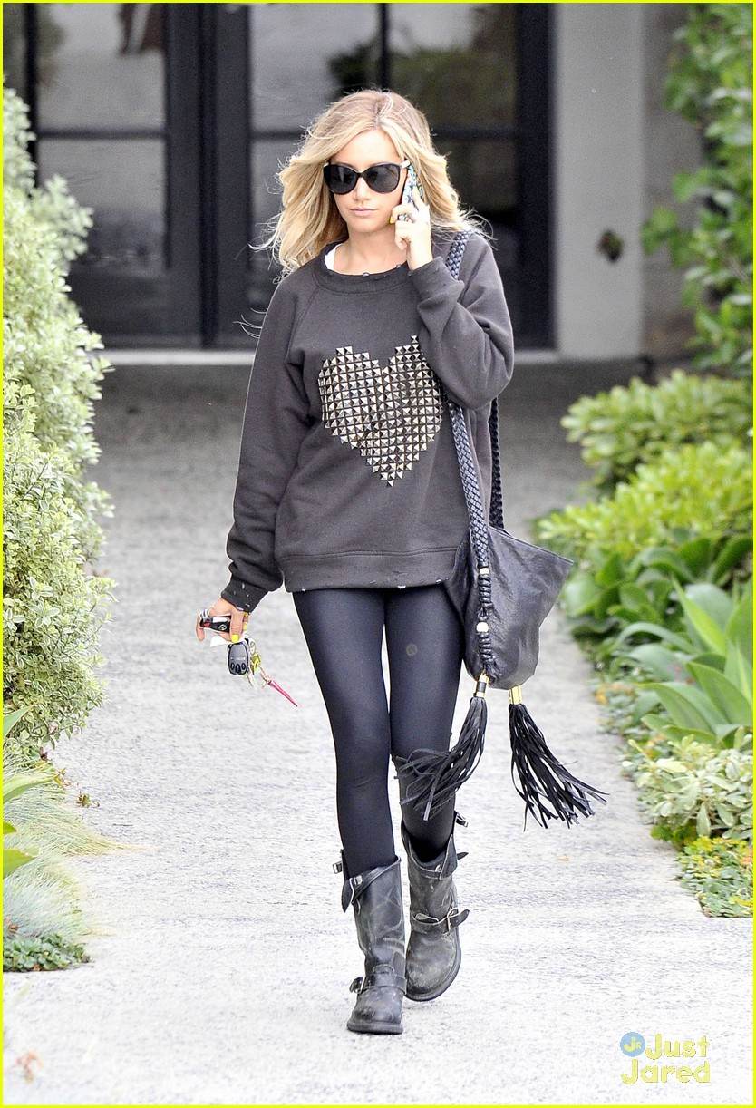 ashley tisdale heart sweater 07