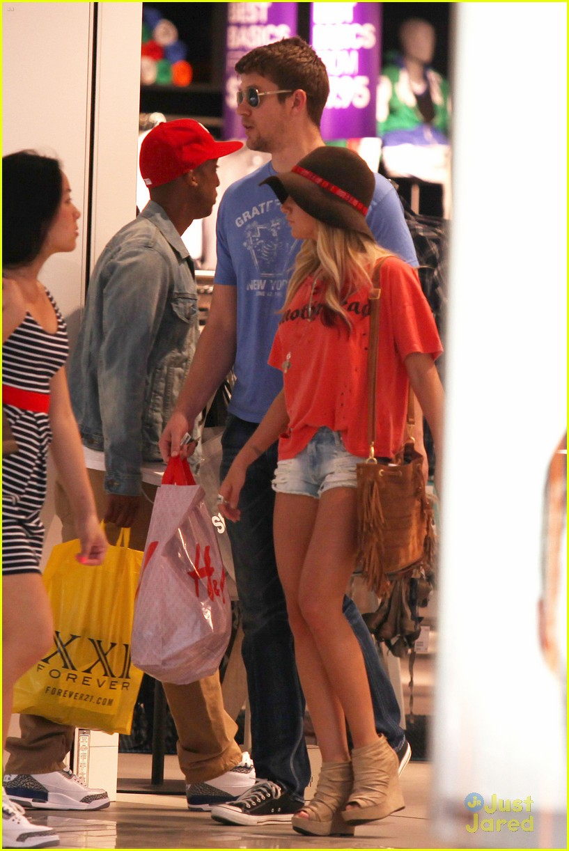 ashley tisdale scott speer shopping 15