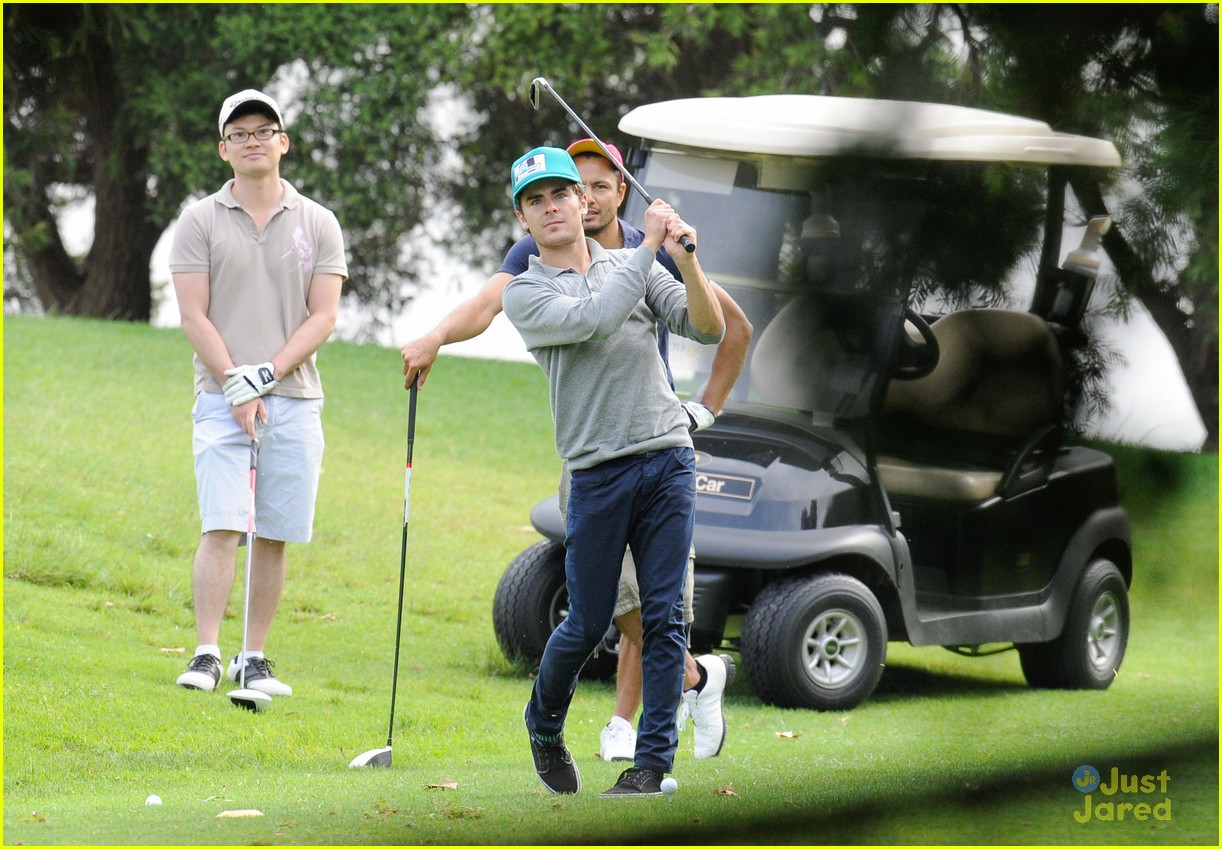 zac efron golf sydney 03