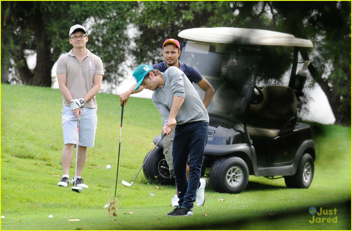 zac efron golf sydney 07