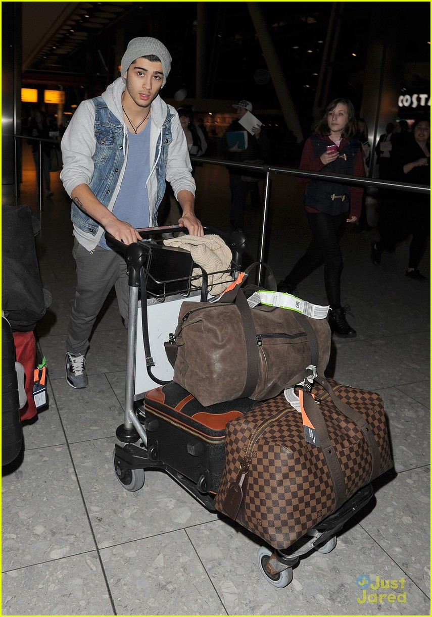one direction heathrow arrival 04