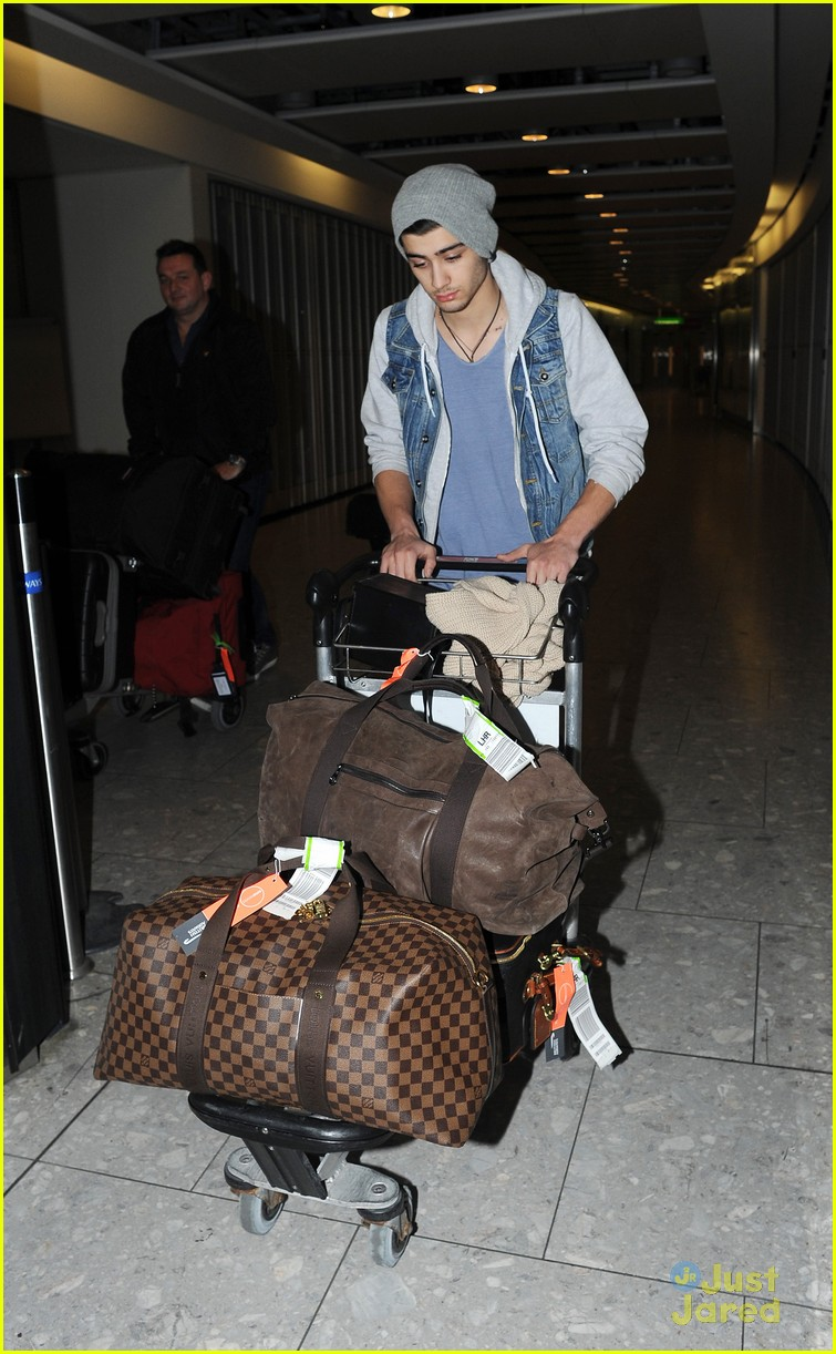 one direction heathrow arrival 06