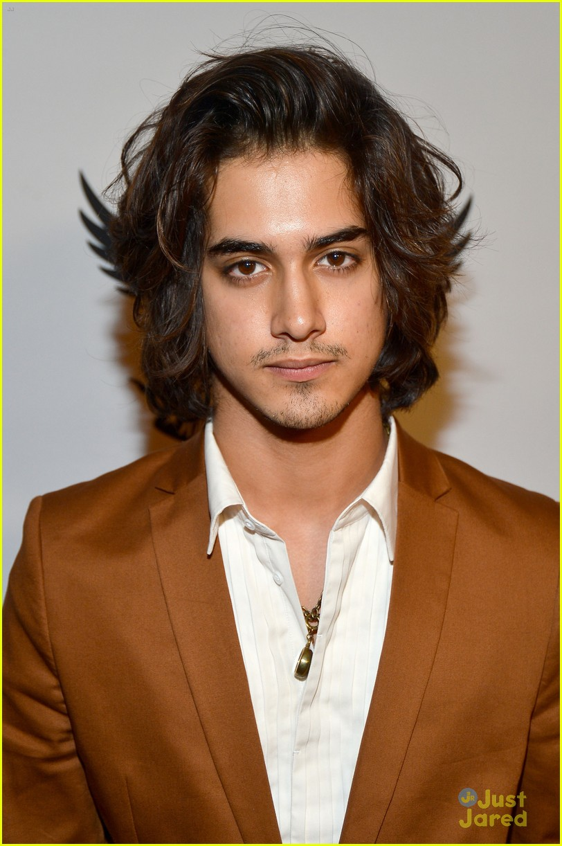avan jogia zoey deutch race ms 01