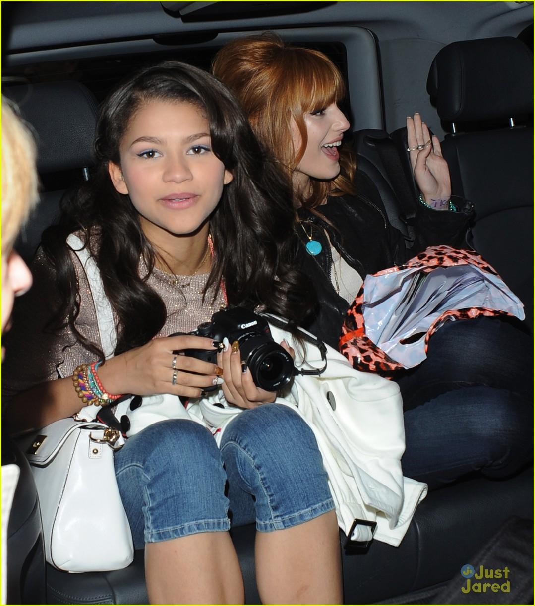 bella thorne zendaya disney london 02