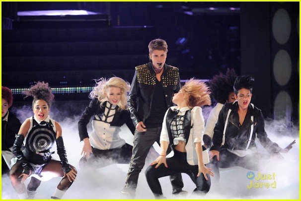justin bieber performs boyfriend on the voice 11