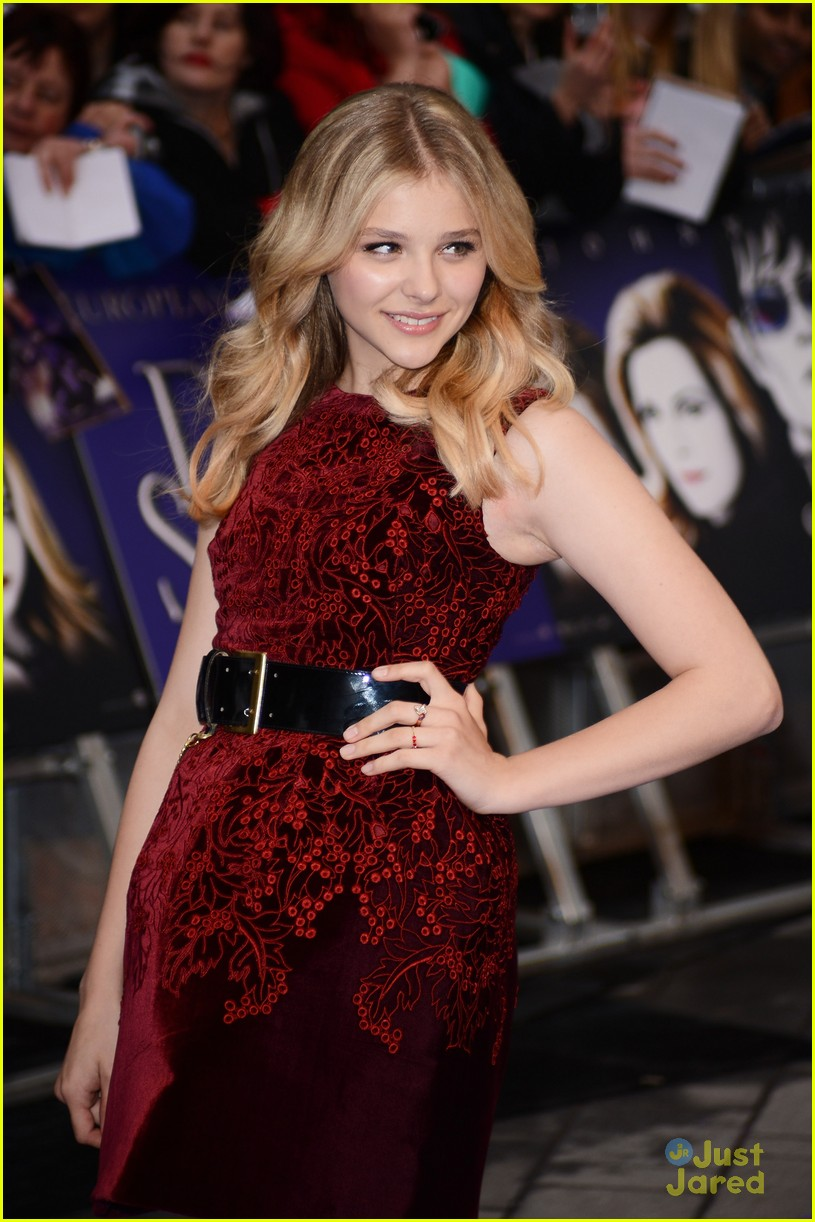 chloe moretz dark shadows uk 03