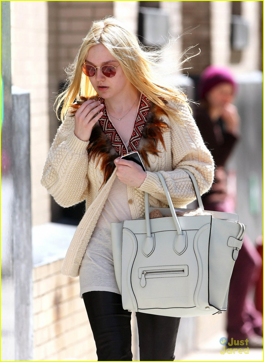 dakota fanning out nyc 02