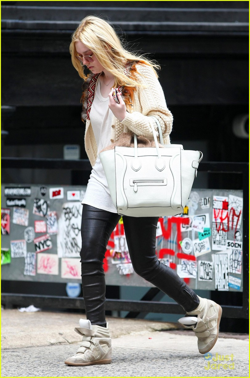 dakota fanning out nyc 03