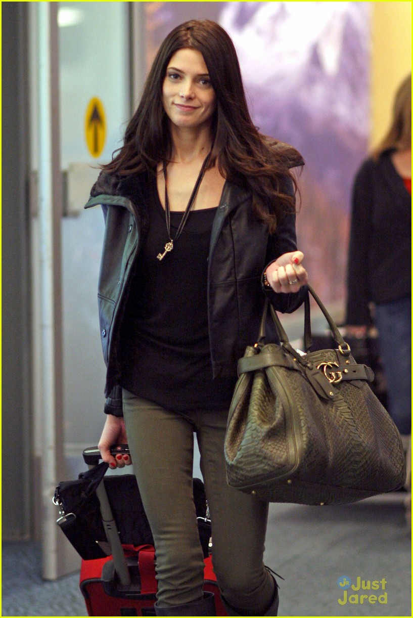 ashley greene vancouver reshoots 02