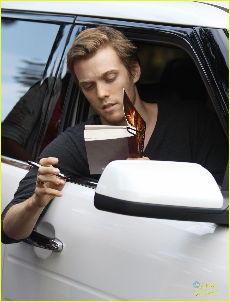 jake abel leven rambin percy set 17
