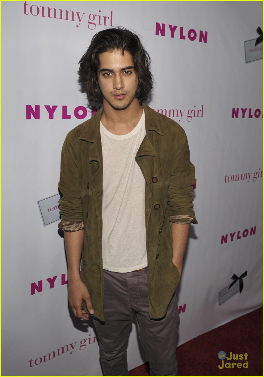 halston james avan nylon party 13