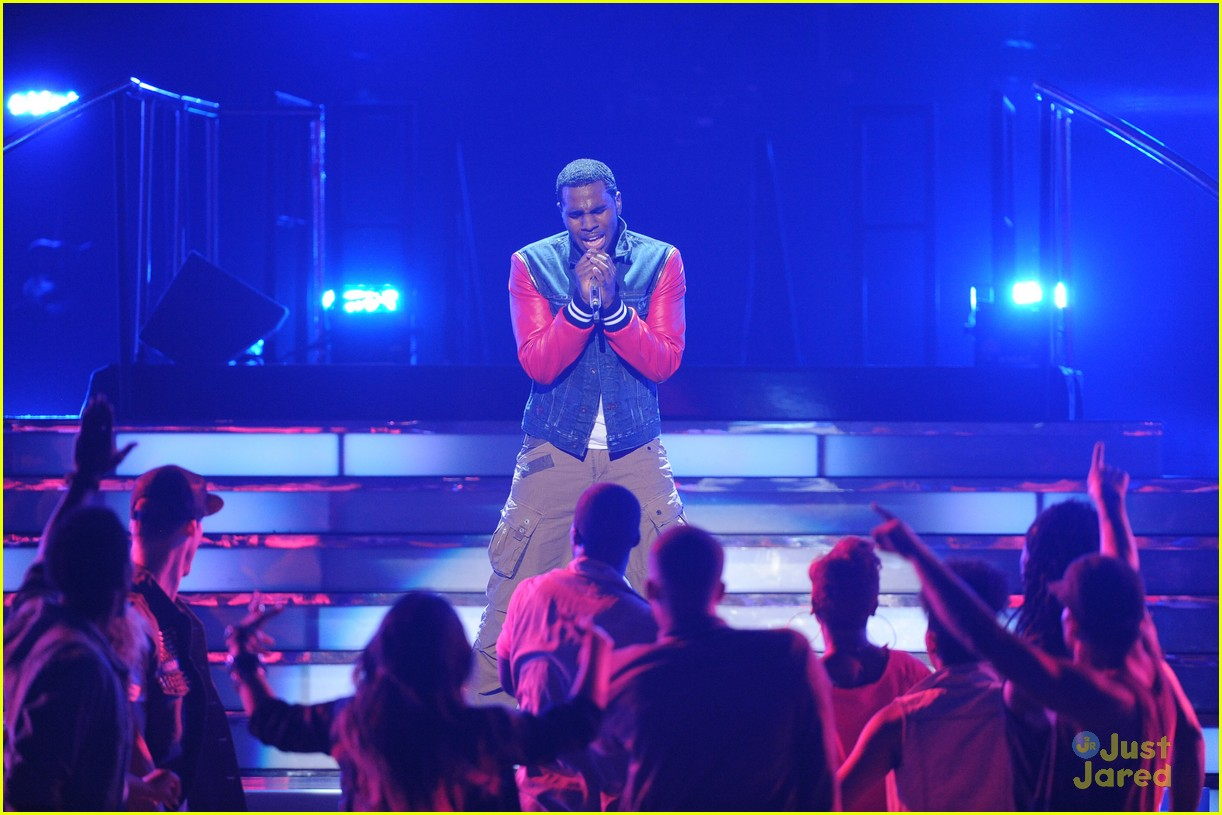 jason derulo undefeated idol finale 01