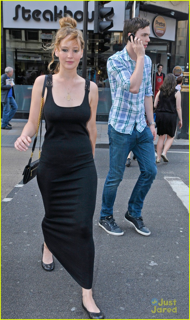 jennifer lawrence nicholas hoult london 01