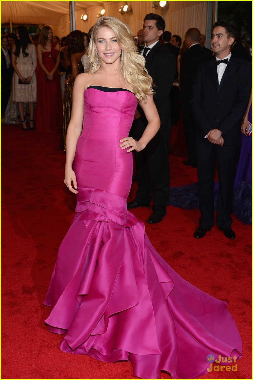 julianne hough met ball 11