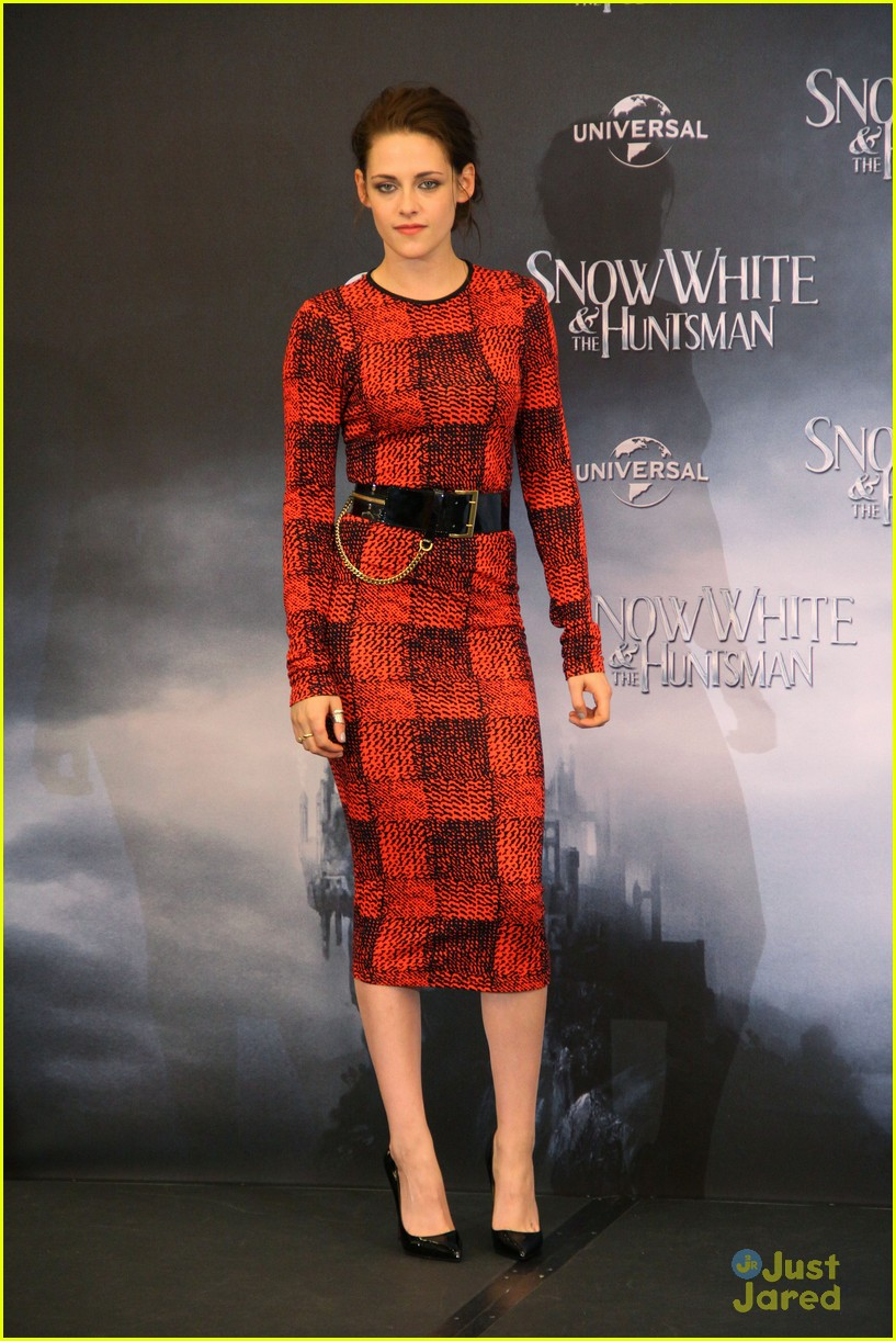 kristen stewart berlin snow white 10