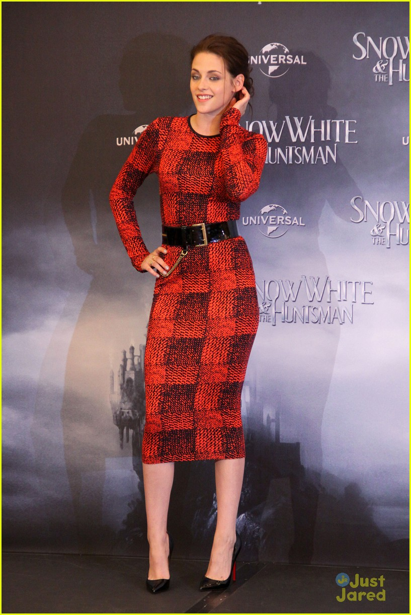 kristen stewart berlin snow white 11