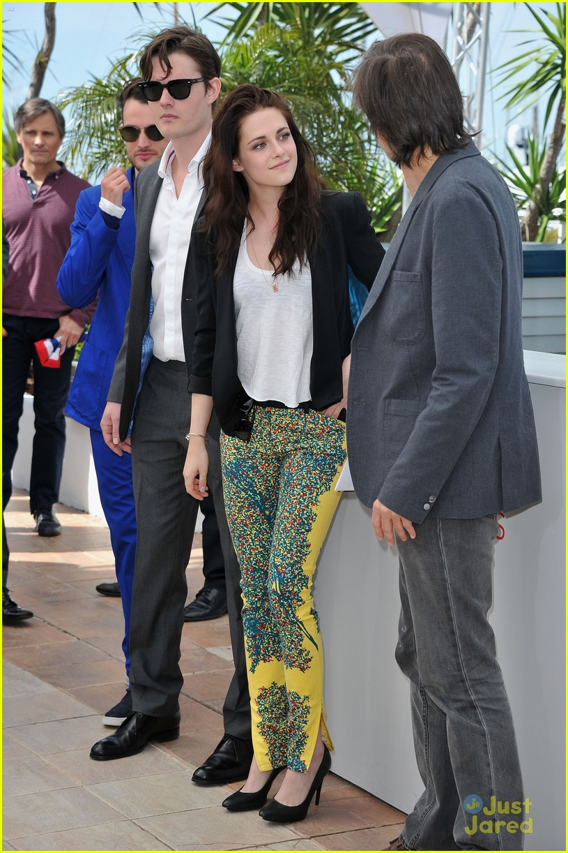 kristen stewart road cannes call 18