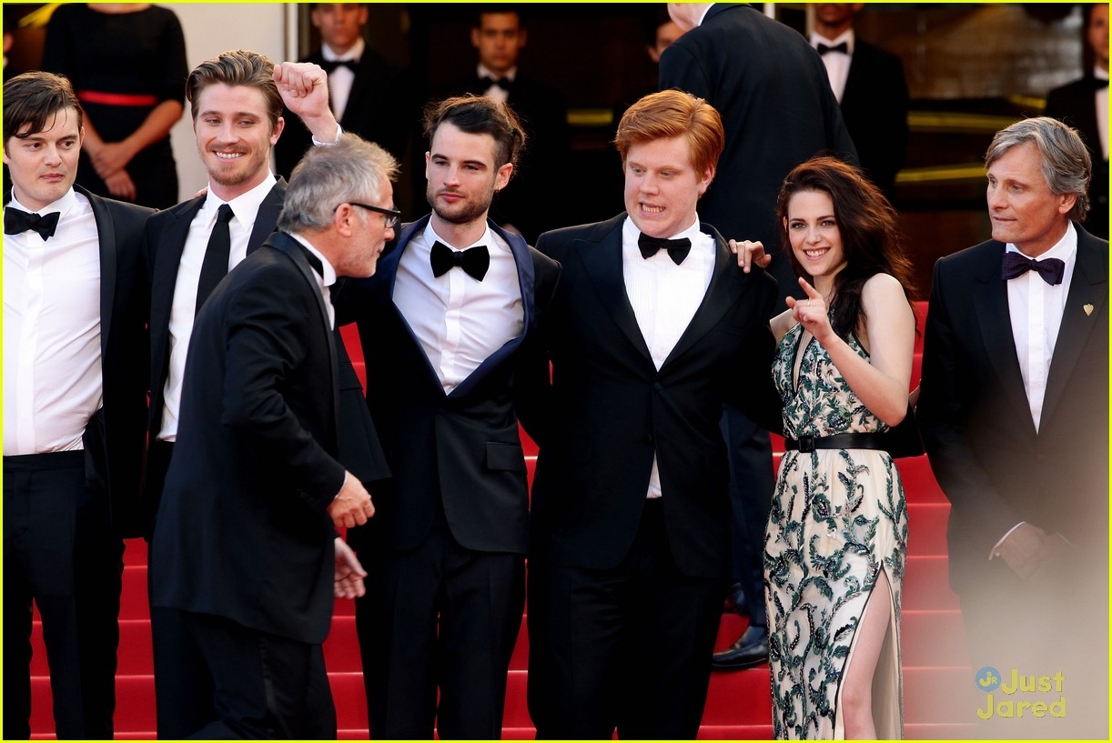 robert pattinson kristen stewart road cannes 15