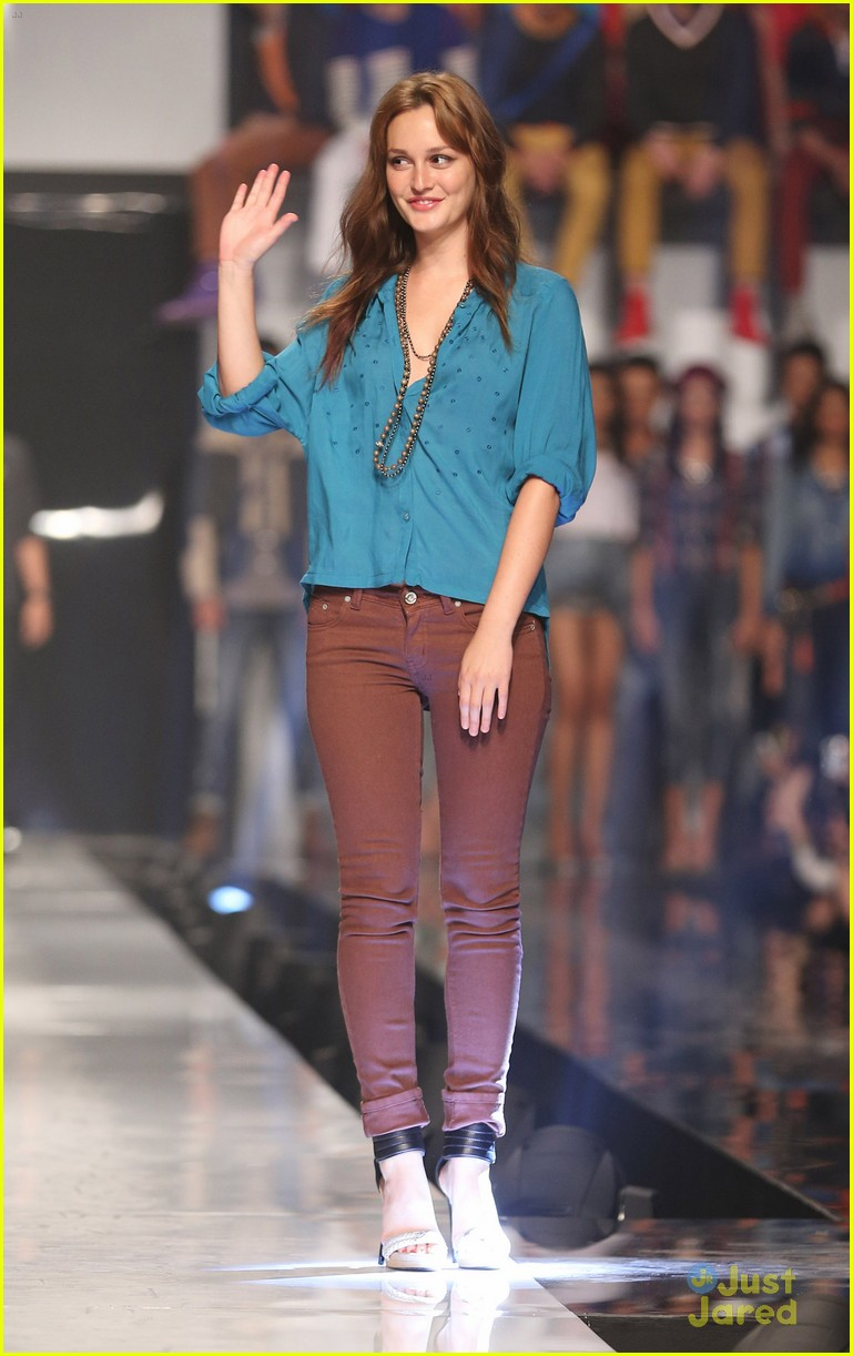 leighton meester phillipines fashion week 04