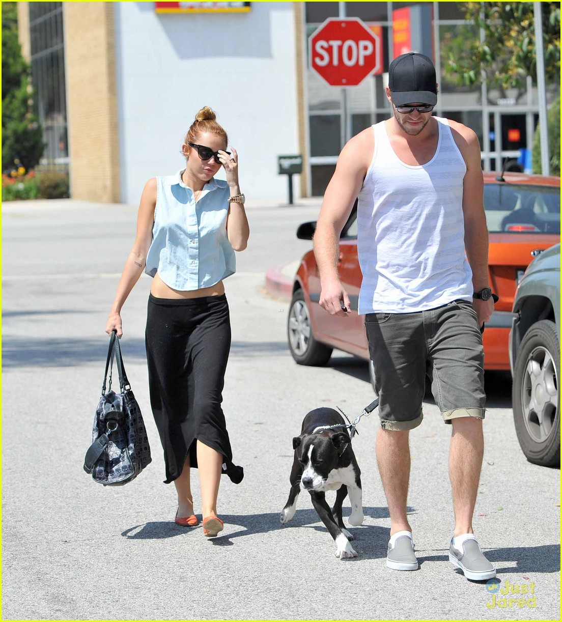 miley cyrus liam hemsworth lunch 03