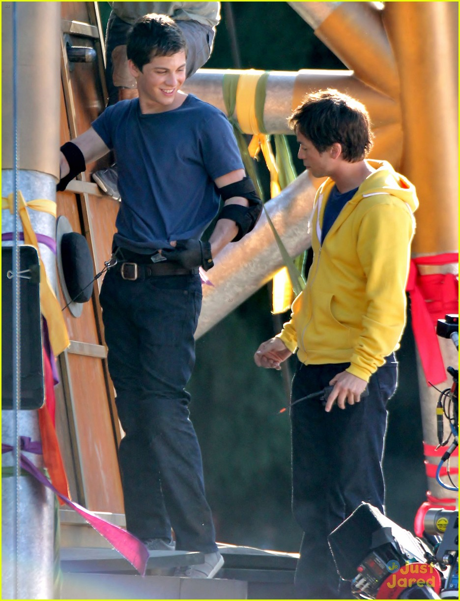logan lerman leven rambin camp training 10