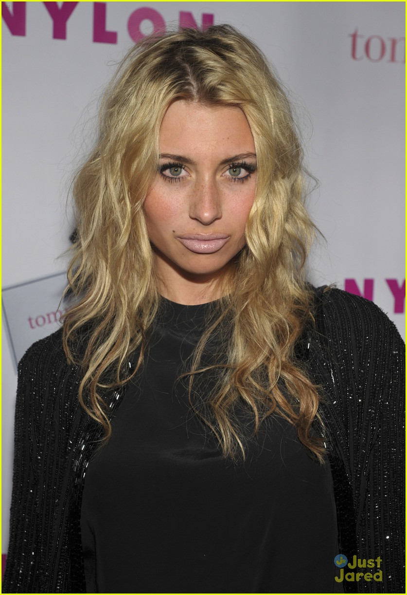 aly aj michalka nylon party 07