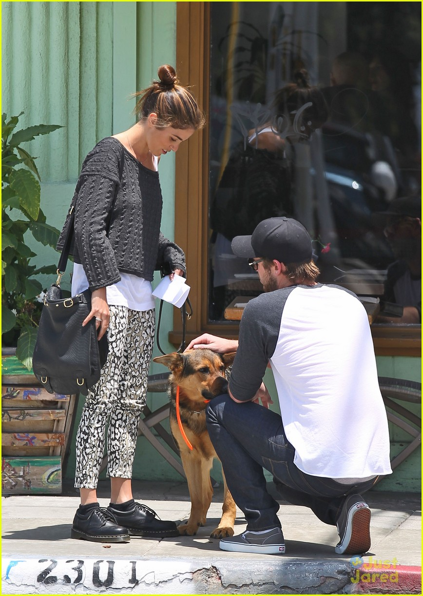 nikki reed liam hemsworth wango 04