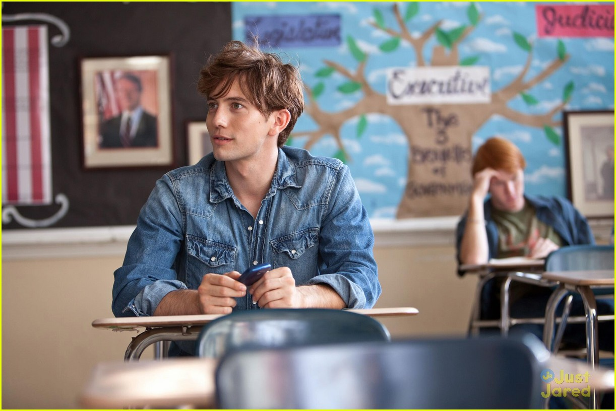 http://cdn01.cdn.justjaredjr.com/wp-content/uploads/pictures/2012/05/rathbone-aimhigh-stills/rathbone-aimhigh-stills-02.jpg