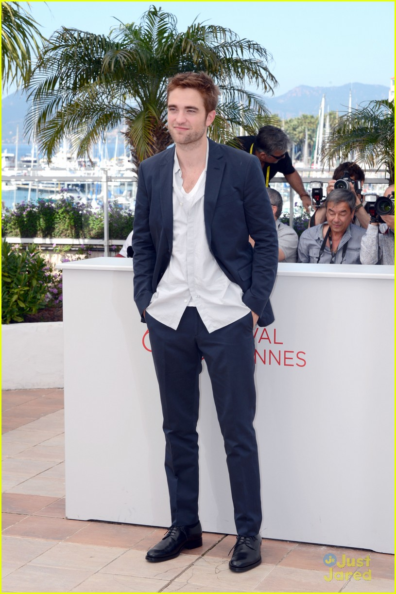 robert pattinson cosmo premiere 05